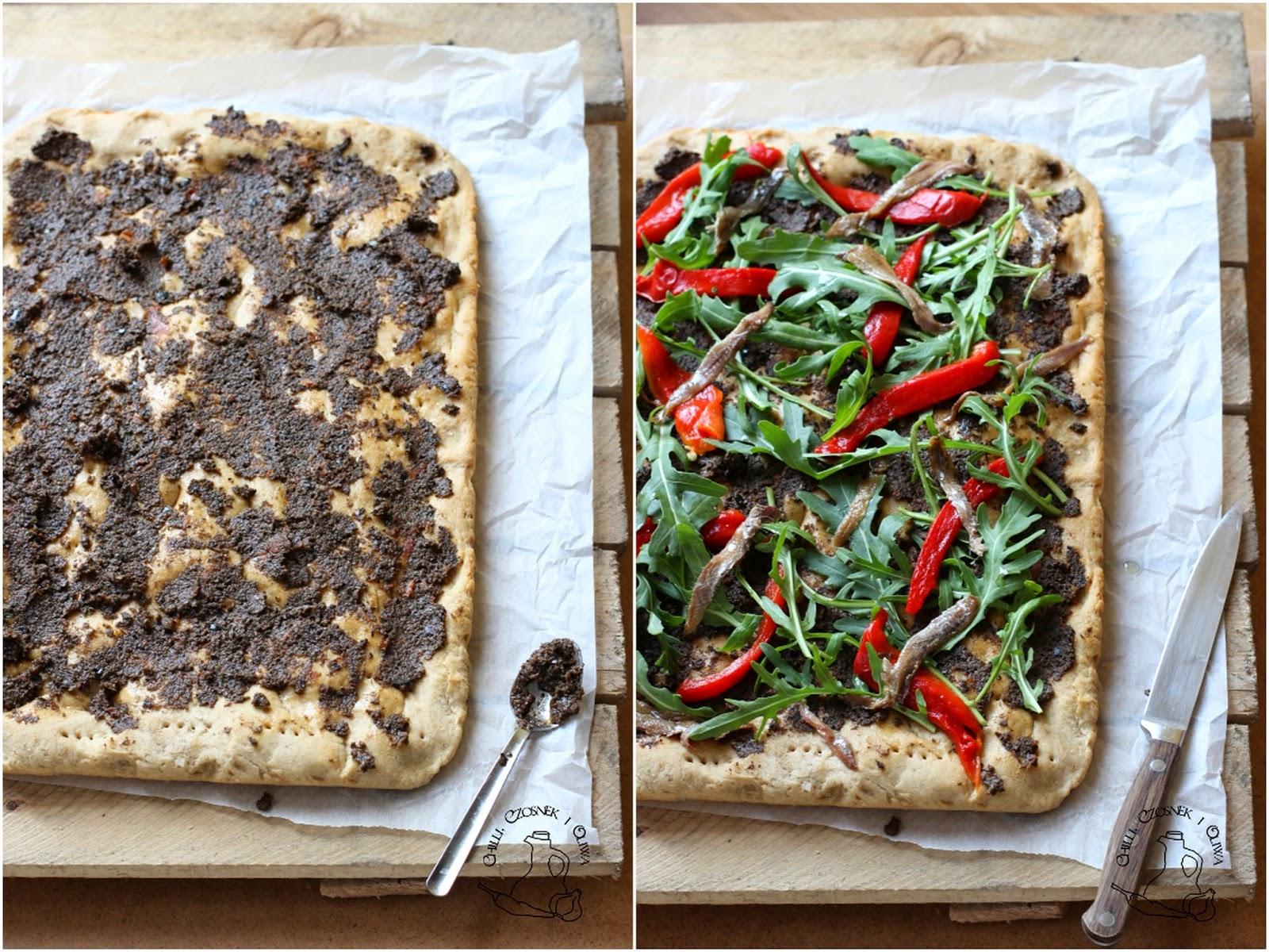 pizza z pieczona papryka
