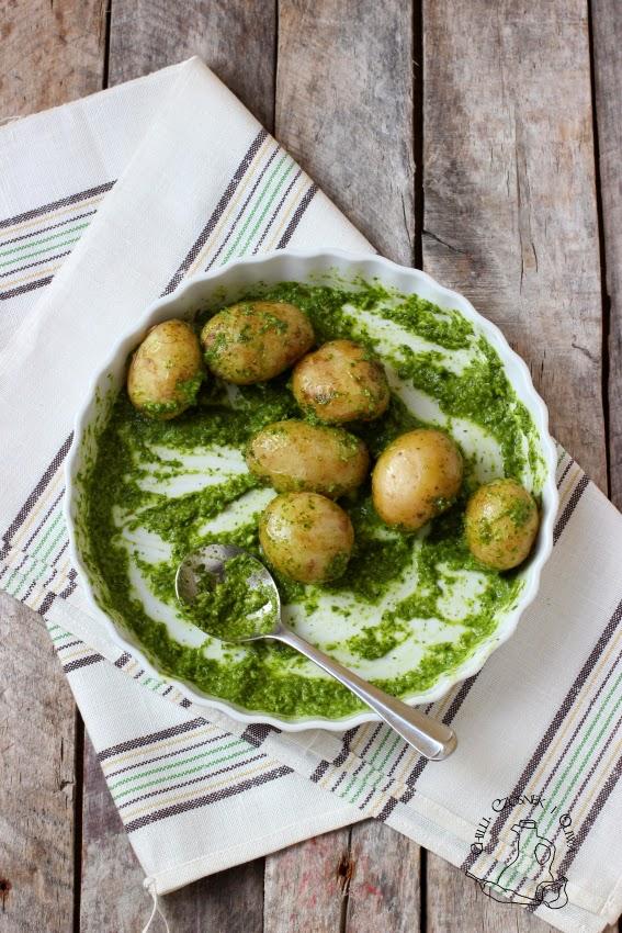 mlode ziemniaczki z salsa verde