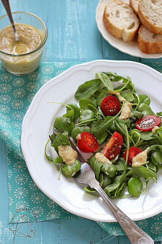 salatka z bobu i pomidorkow