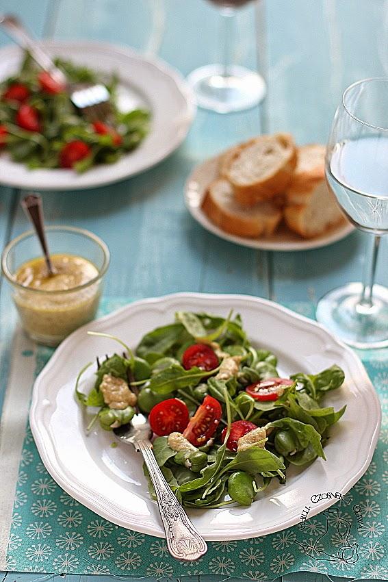 salatka z bobem rukola i pomidorkami