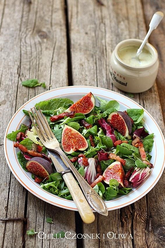 salatka ze swiezymi figami, szynka parmenska i serem