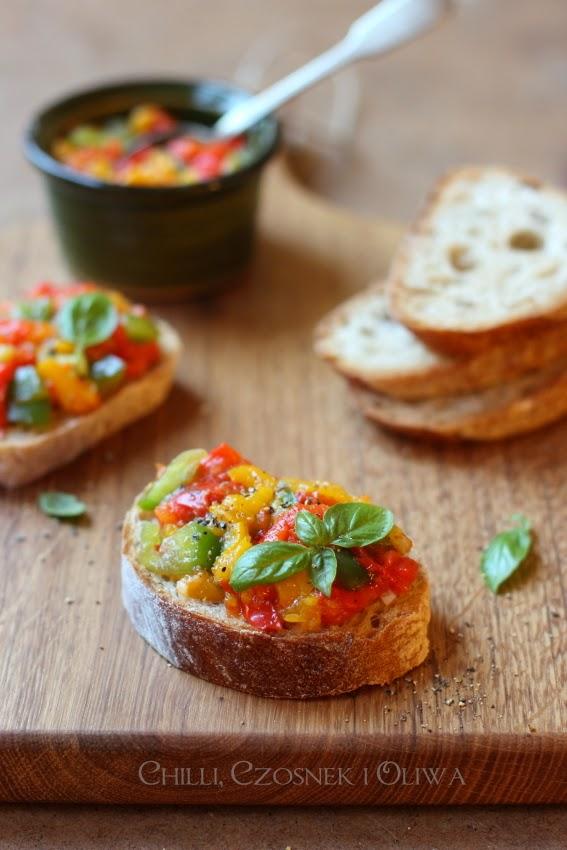 kanapeczki z pieczona papryka na przyjecie