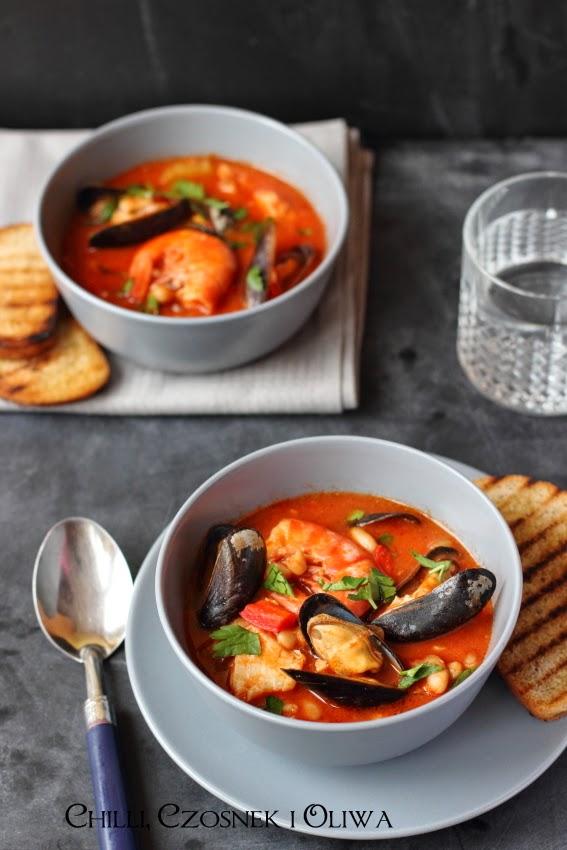 wloska zupa z ryb i owocow morza