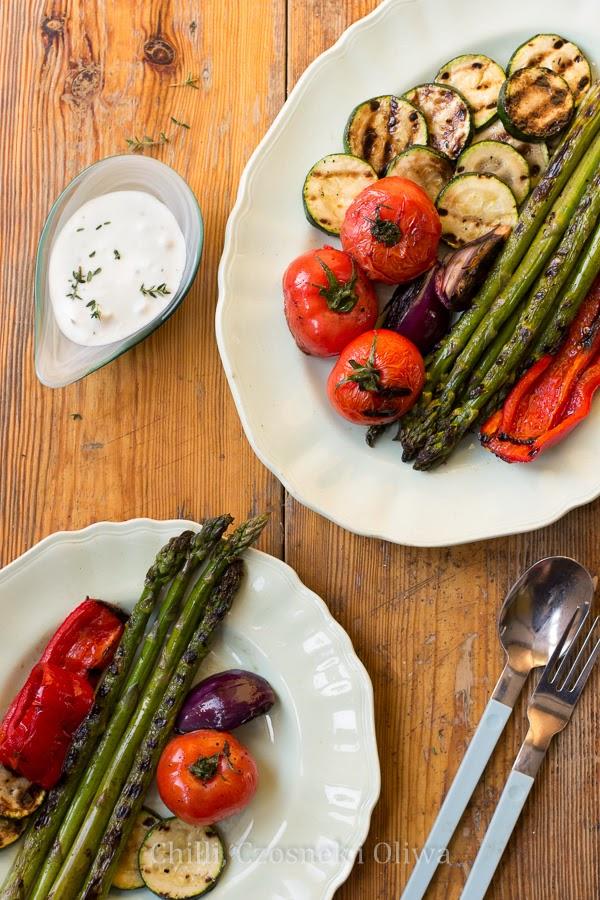 Grillowane warzywa z dipem z koziego sera