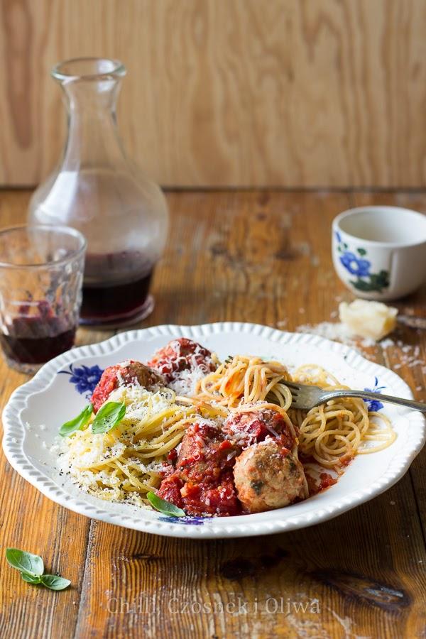 Spaghetti z klopsikami z tuńczyka