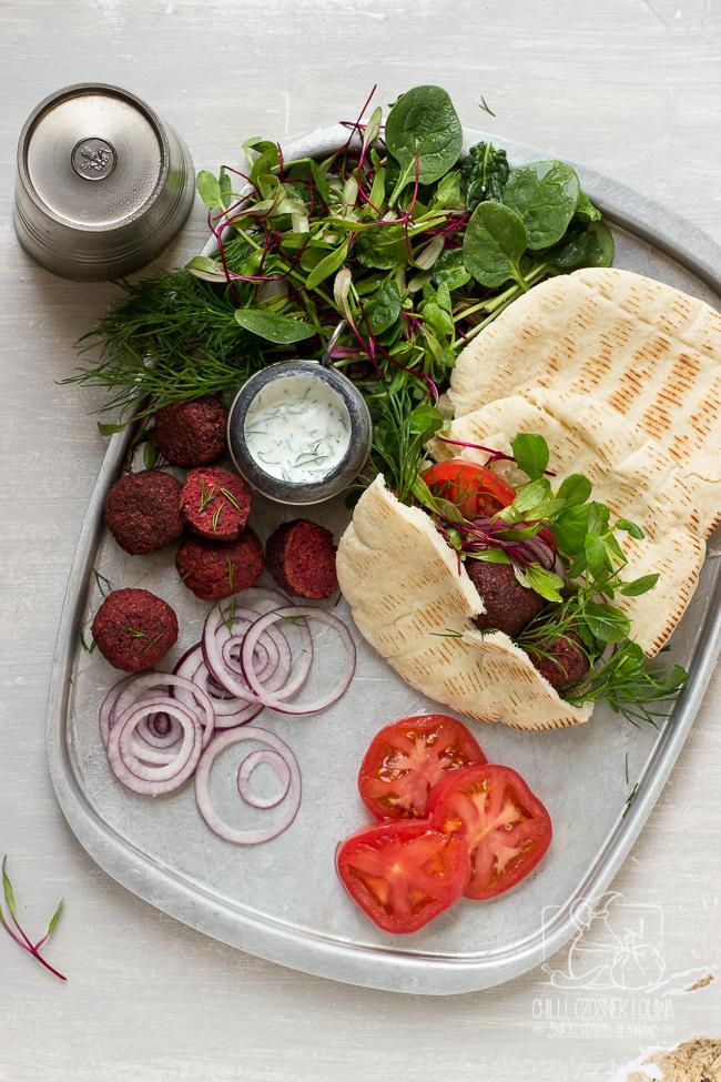 falafele buraczane pięknie różowa wariacja na temat libańskich falafeli