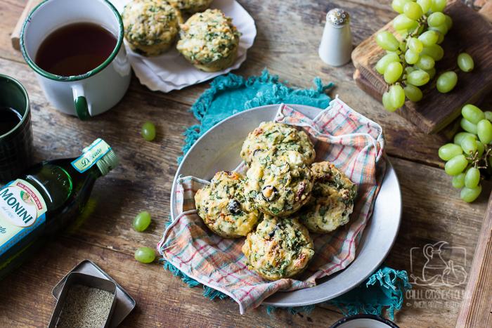 Muffinki na piknik lub Majówkę - ze szpinakiem, suszonymi pomidorami i fetą